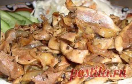 Вкусные и дешевые куриные желудки в соевом соусе — объедение   Советую приготовить!     Ингредиенты: желудки куриные – 0,5 кглук — 3 штукисушеный базиликперец черный молотыйсоус соевый Приготовление:  Желудки хорошо промываем и варим намедленном огне в слегка …