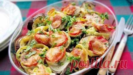 Баклажаны с мясом и овощами  Простое и вкусное блюдо, совмещает в себе мясо и овощи.  Ингредиенты: Показать полностью…