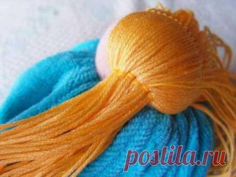 Как сделать волосы кукле из ниток или пряжи. Мастер-класс. Видео.