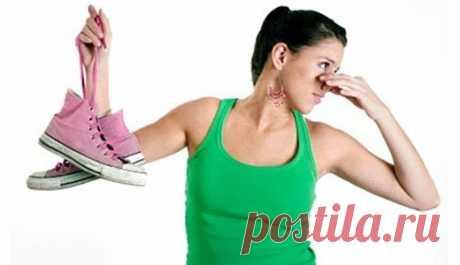 Как избавить свою обувь от запаха — Полезные советы