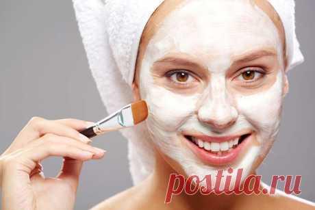 Попробуйте маску из бентонитовой глины, чтобы затянуть поры кожи вашего лица