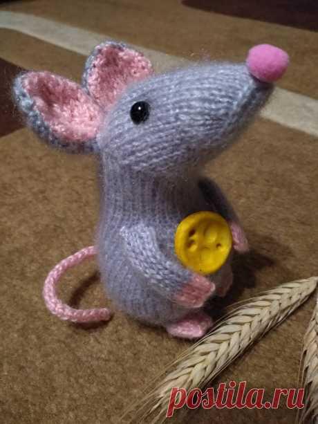 Вязаные игрушки. Мышка.