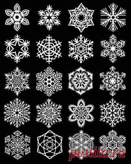 Вспоминаем детства - вырезаем бумажные снежинки.