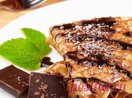 Блины с бананом и шоколадом: восхитительный рецепт Записывай рецепт блинов на Масленицу и скорей пробуй вкуснейший десерт