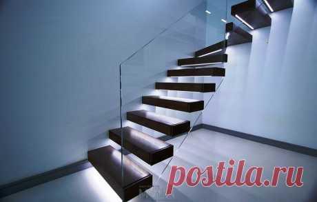 Лестницы, ограждения, перила из стекла, дерева, металла Маршаг – Консольная лестница с балюстрадой из стекла из стекла