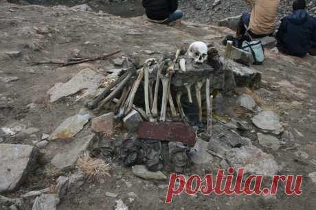 Тайна «озера скелетов» в Гималаях: озеро Роопкунд | Наука и технологии