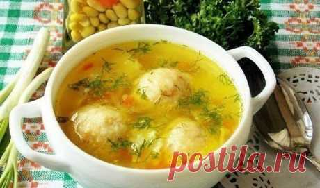 Суп с сырными фрикадельками.