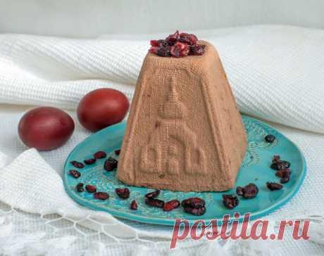 Творожная пасха рецепт. Творожная пасха с шоколадом. Шоколадно-творожная пасха с черносливом Предлагаю приготовить шоколадно-творожную пасху с черносливом (если вы его не любите, возьмите любые другие сухофрукты). Для приготовления шоколадно-творожной пасхи с черносливомвам понадобятся такие продукты: — 0,5 кг творога — Плитка черного шоколада — сливки 100 гр -пол.пачки масла — сметаны 150 гр. — чернослив без косточек -100 гр — 10 г ванильного сахара Как готовить: …