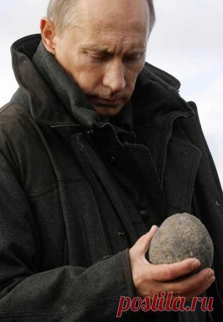 16 лет назад, 26 марта 2000 года, Владимир Путин был избран президентом России Как Владимир Путин смотрит на вещи: