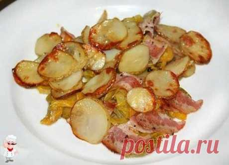 Запеченный картофель во вкусном маринаде с овощами и куриной грудкой. | Вкусно по-домашнему. | Яндекс Дзен