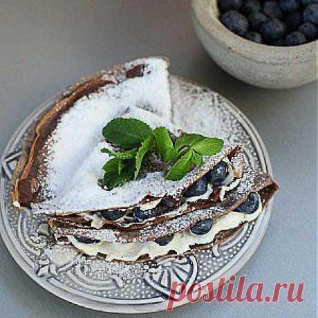 Блины из черемуховой муки с маскарпоне и голубикой рецепт – выпечка и десерты