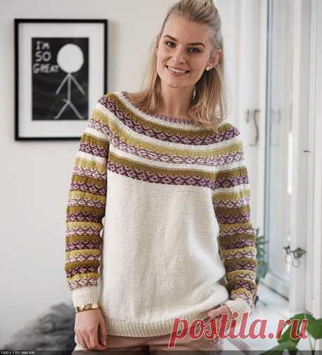 Вязаный пуловер с круглой кокеткой и жаккардовым узором