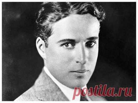 Мало кто видел Чарли Чаплина без его знаменитых усов, грима и шляпы, а он был красавчиком: редкие фото