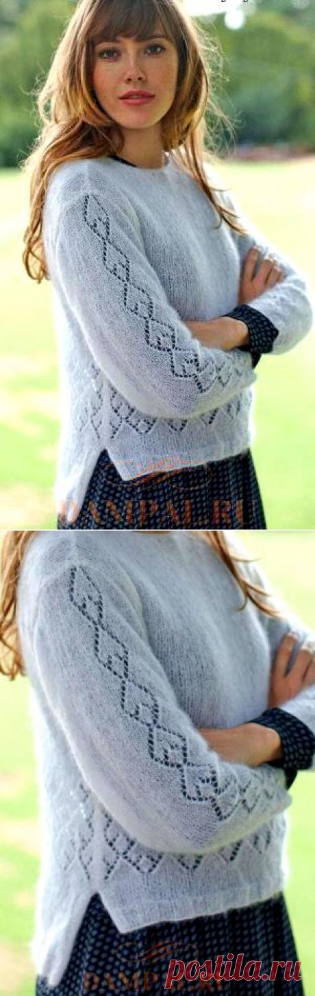 Пуловер с ажурным рисунком спицами