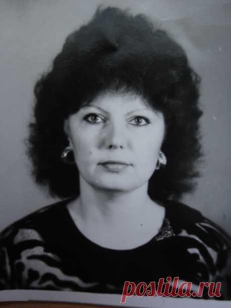 Анна Адам-Полютова