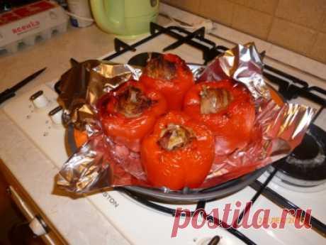 Перепелки, запеченные в перцах : Вторые блюда