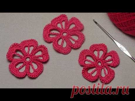 Master class knitting of a simple FLOWER - a knitting lesson a hook for beginners