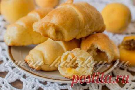 Пирожки с абрикосами в духовке: рецепт