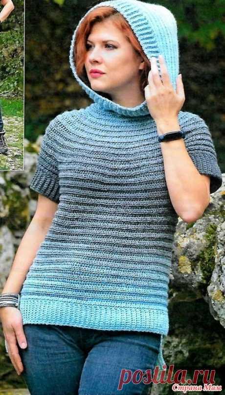 Пуловер-худи с капюшоном. Вязанный вариант худи с капюшоном-стильный пуловер с короткими рукавами. Размытые переливы градиента от голубого к серому-напоминают игру морских волн ВЯЖЕМ КРЮЧКОМ - №2 2021