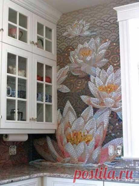 Оригинальная идея для кухни: мозаика на стене