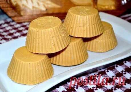 Творожный крем-брюле - Пошаговый рецепт с фото своими руками Творожный крем-брюле - Простой пошаговый рецепт приготовления в домашних условиях с фото. Творожный крем-брюле - Состав, калорийность и ингредиенти вкусного рецепта.