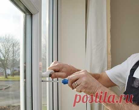 Проблемы с пластиковыми окнами и их решение  Окна из профиля ПВХ надежно влились в нашу жизнь: в 50% квартир уже установлено хотя бы одно пластиковое окно. Это и не мудрено — окна ПВХ практичны, долго служат и не требуют особого ухода.  В связи с большим числом фирм и компаний, занимающихся пластиковыми окнами, стёрлись границы качественного окна. Теперь отличить надежное пластиковое окно от аналогичного с меньшим сроком службы рядовому потребителю практически невозможно. ...