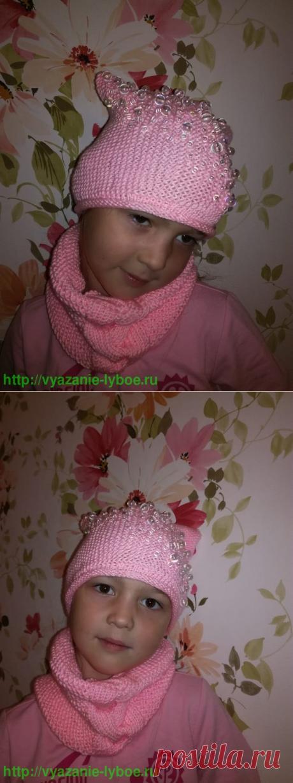 Снуд платочной вязкой с рисунком коса из розовой пряжи | Снуд платочной вязкой с рисунком коса из розовой пряжи