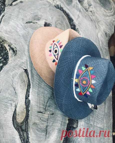 Вышитые шляпы