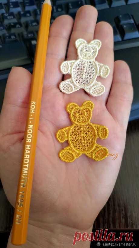 Вышитая аппликация Веселые медведи нашивка термоаппликация – купить на Ярмарке Мастеров – C8SBNRU   Аппликации, Москва