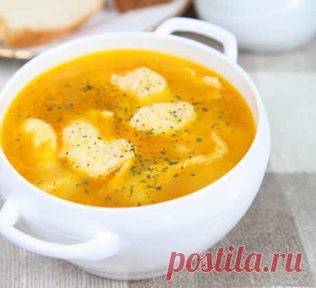 Быстрый куриный суп «Лентяй» с сырными рулетами — Фактор Вкуса