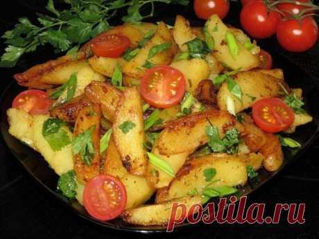 ПЕЧЁНАЯ КАРТОШЕЧКА В МУЛЬТИВАРКЕ!  Очень вкусную печеную картошечку можно приготовить в мультиварке;)  ИНГРЕДИЕНТЫ:  Картофель - 8-10 шт.(средний) Приправа для картофеля - по вкусу Майонез - 2-3 ст. л. Масло сливочное - 60 гр.  Соль по вкусу Петруша, зеленый лук, черри.  ПРИГОТОВЛЕНИЕ:  Картофель очистить.   Разрезать на 4-6 частей. Добавить специи, перемешать  В чашу мультиварки положить масло, затем подготовленный картофель, майонез, соль по вкусу, перемешать  Готовить н...