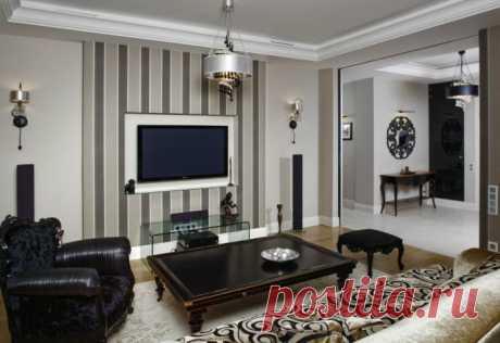 El empapelado en el interior de la sala: las variantes modernas del diseño