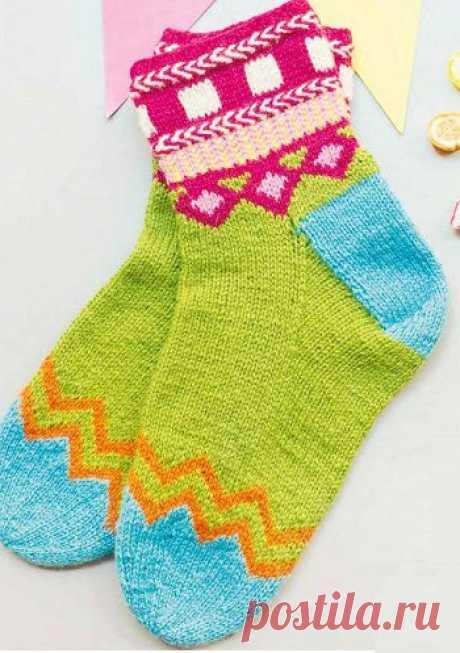 Вязаные носки «Чудеса выходного дня»