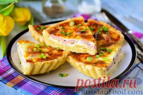 Рецепт: Закусочный пирог с сосисками, сыром и зелёным луком на RussianFood.com