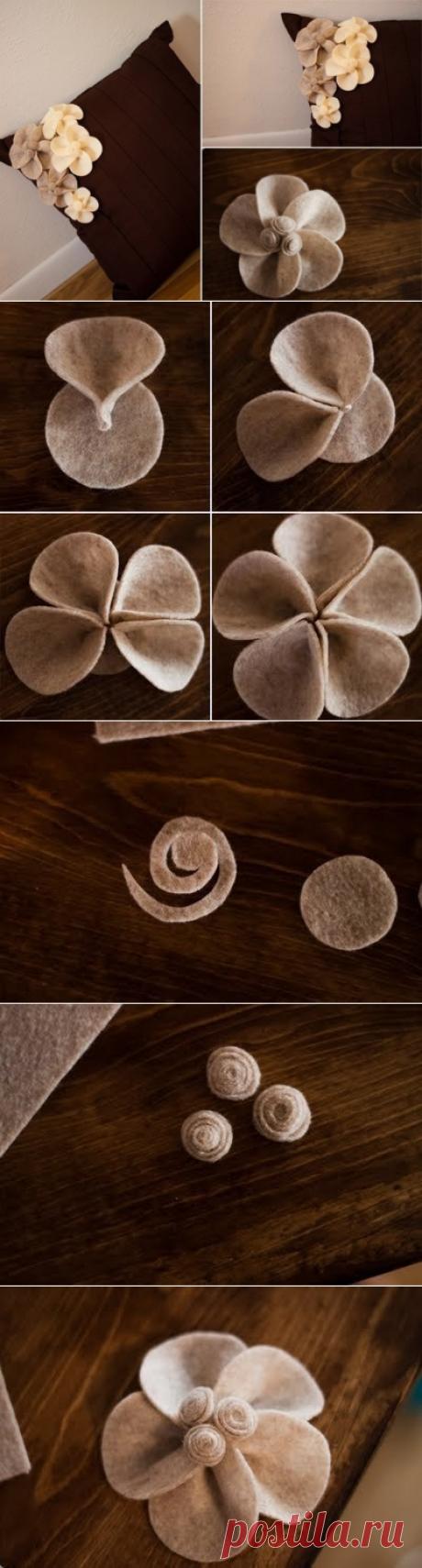 Декоративный цветок для подушки