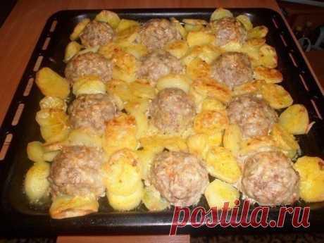 Мясные ёжики с картошкой под сыром — Sloosh – кулинарные рецепты