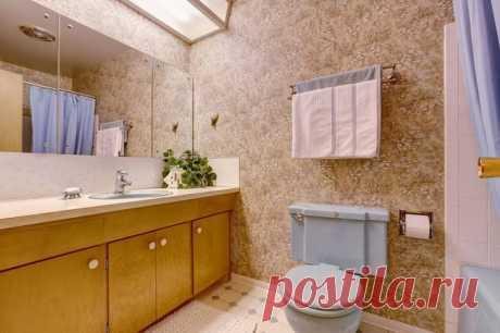 Как подобрать мебель для ванной комнаты При выборе мебели для ванной комнаты не самое последнее значение имеют ее размер, конструкция, материал и комплектность. Как не ошибиться с покупкой? Прежде всего — обратите внимание на размер. Учитывая скромные параметры типовых ванных комнат, мебель обязана быть компактной. На сегодняшний день существует три размерных ряда шкафов-пеналов и тумб под раковину: менее 50 см, не более 80 см и от 80 до 110 см и более. Ширина самых миниат...