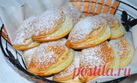 ""\""""Sochniki """"-a traditional Ukrainian delicacy. For a stuffing of sochnik it is possible to use even fruit and berries. However we bring to your attention, the classical recipe of baking of sochnik with cottage cheese. It is better to give sochnik...""460|281|?|en|2|59cedb4a74706c440afc8233f0a3c1f3|False|UNLIKELY|0.3153497576713562