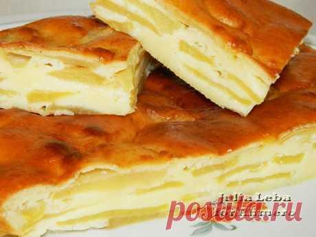 Эта шарлотка затмила торты и пирожные! Шарлотка с яблоками на сметане Пальчики оближешь, безумно вкусно!  Ингредиенты: Яблоки...