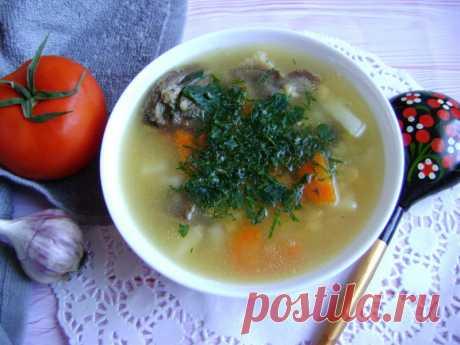 Как правильно варить гороховый суп с говядиной, всё дело в бульоне - Пир во время езды Сегодня я с вами поделюсь рецептом горохового супа с говядиной. Вы не любите есть гороховый суп?! Если так, то, скорее всего, вы его не правильно готовите. Этот суп получается наваристым, сытным и самое главное полезным. Ведь в горох содержит в себе множество витаминов и микроэлементов, которые необходимы каждому организму. Пожилым людям бобовые просто необходимо включать …