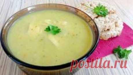 """Это очередное блюдо в вашу копилку """"рецепты супов"""". И сегодня на нашей кухне #Prpirava_Club мы будем готовить овощной суп пюре с курицей. Давайте вместе посмотрим короткое 2 минутное видео и узнаем из него все тонкости приготовления и перечень ингредиентов."""