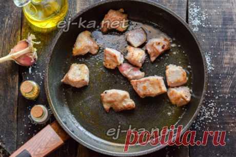 Мясо на сковороде - вкуснее, чем шашлык: рецепт с фото