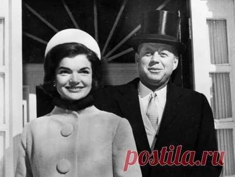 """Жаклин Кеннеди: американская гейша и """"убийца"""" Монро 12 сентября 1953 года состоялась свадьба Джона и Жаклин Кеннеди. Sobesednik.ru вспоминает, какой была «убийца женских сердец» Джеки"""