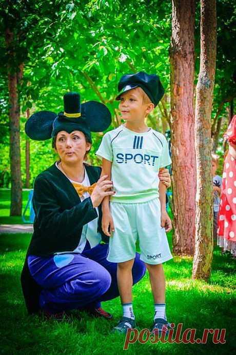 Профессиональные актеры и аниматоры  от www.Pozitiv-studio.kz, организуют и проведут для ваших детей незабываемое торжество. Мы работаем без выходных. Звоните 328-13-05, +7 701 718 44 41