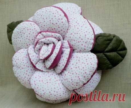 Выкройка цветочной подушки