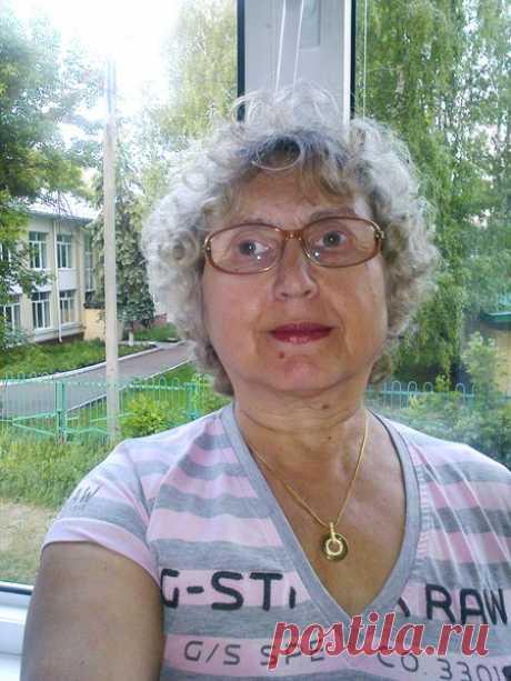 Нина Макарова