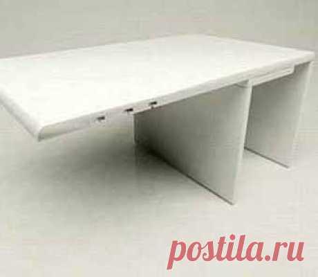 """а вот так диванный столик-подлокотник (""""чайный столик"""") выглядит. Легко сделать своими руками"""