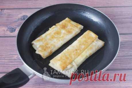 Лаваш с яйцом и зелёным луком на сковороде — рецепт с фото пошагово