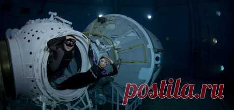 ""\""""Captains of the Star seas"""". Rustam Teregulov's picture, nat-geo.ru/photo/user/115477 """"The picture was taken at excursion on hydrolaboratory of the Center of training of astronauts. I would like to depart to space, but it is obligatory with friends and with the camera"""".""460|216|?|en|2|250ef1b7380210df08954a272800a74a|False|UNLIKELY|0.2846248149871826