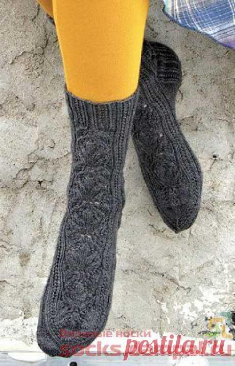 Вязаные носки «Uloborus» | ВЯЗАНЫЕ НОСКИ